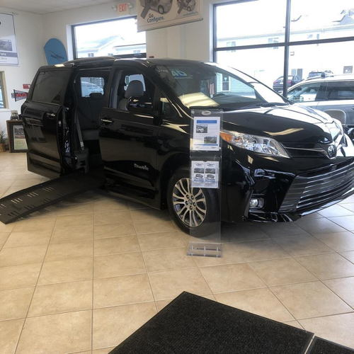 Toyota Sienna Rental: Adaptive Mobility Equipment Handicap Vans Wheelchair Vans